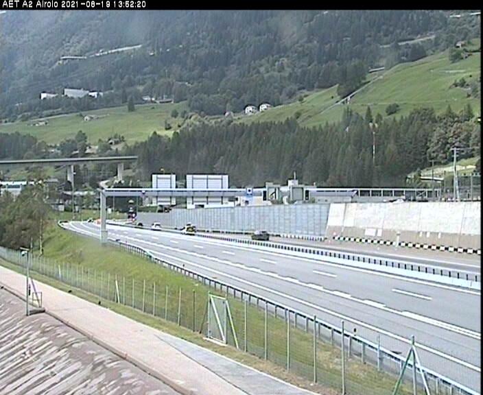 Caméra autoroute Suisse - Autoroute A2 - Quinto, avant le Tunnel du Gothard - Entrée sud
